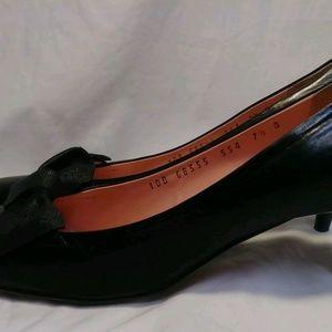 Ferragamo womans shoes 7.5 B black leather draped